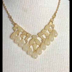 Cream Gold Tone Statement Necklace New