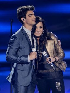 Demi Lovato and Joe Jonas in American Idol. March 24th, 2010