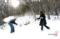 winter engagement picture ideas, snowy engagement photos, couple in snow
