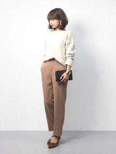 きれいめカジュアル レオパード柄のシューズをアクセントにしました☺︎ Office Fashion, Work Fashion, School Dresses, She Is Clothed, Korean Outfits, Winter Wardrobe, Dress Codes, Minimalist Fashion, I Dress