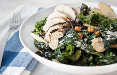 Nutrient-dense kale gets a crunch from spicy roasted chickpeas. This lighter Caesar salad is the perfect lunch pick-me-up. Chicken Breast Recipes Healthy, Baked Chicken Breast, Chicken Tenders, Healthy Chicken, Grilled Chicken, Easy Healthy Dinners, Healthy Dinner Recipes, Quick Recipes, Baked Cabbage Steaks