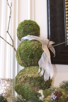 moss ball snowman ... great for the porch!