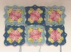 Transcendent Crochet a Solid Granny Square Ideas. Inconceivable Crochet a Solid Granny Square Ideas. Point Granny Au Crochet, Crochet Flower Squares, Crochet Motifs, Granny Square Crochet Pattern, Crochet Blocks, Afghan Crochet Patterns, Crochet Flowers, Crochet Stitches, Manta Crochet