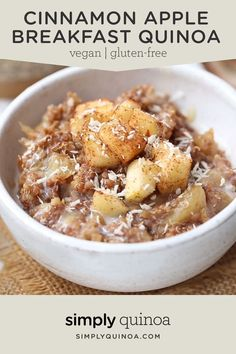 This Cinnamon Apple Breakfast Quinoa is the BEST healthy and gluten-free breakfast! Easy recipe that is fiber and protein-packed! Such a cozy bowl, just leave out the honey to make vegan! Recipes for 2 Cinnamon Apple Breakfast Quinoa - Simply Quinoa Breakfast And Brunch, Apple Breakfast, Healthy Breakfast Recipes, Clean Eating Recipes, Clean Eating Snacks, Cooking Recipes, Keto Recipes, Recipes Dinner, Healthy Quinoa Recipes