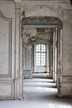 Abandoned Mansions, Abandoned Buildings, Abandoned Places, Architecture Details, Interior Architecture, Interior And Exterior, Classical Architecture, Landscape Architecture, Interior Design