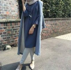 Fabulous Hijab Winter Outfits to Copy Now . Flip through to find our favorite looks for the season--to keep you looking cute and staying warm all Islamic Fashion, Muslim Fashion, Modest Fashion, Hijab Fashion, Fashion Outfits, Unique Fashion, Modest Wear, Modest Dresses, Modest Outfits
