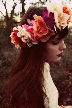 flowers in her hair hair great hair Estilo Floral, Braided Hairstyles, Wedding Hairstyles, Bridal Hairstyle, Hairstyles Haircuts, Belle Photo, Her Hair, Hair Inspiration, Beautiful Flowers