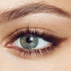 eyeliner styles different * eyeliner styles . eyeliner styles for big eyes . eyeliner styles for hooded eyes . eyeliner styles simple step by step . eyeliner styles different Edgy Makeup, Eye Makeup Art, Natural Eye Makeup, No Eyeliner Makeup, Skin Makeup, Eyeliner Pencil, Makeup Inspo, Easy Eye Makeup, Subtle Makeup
