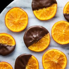 Deluxe Chocolate Truffles & Candies Using Valrhona Chocolate - Recipes Chocolate Sponge Cake, Chocolate Glaze, Chocolate Pies, Chocolate Muffins, Chocolate Orange, Chocolate Covered, Chocolate Recipes, Chocolate Truffles, Callebaut Chocolate