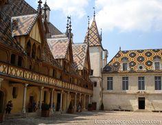 Los Hospicios de Beaune, en Beaune, en la región Borgoña en Francia
