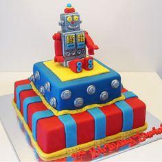 Vintage tin toy robot cake