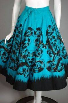 """Aqua hand painted cotton 1950s circle skirt. """"Aqua black and gold metallic swirls hand painted Mexican cotton 1950s circle skirt.""""- vivavintageclothing I LOVE aqua color! 1950s Fashion, Vintage Fashion, Mexican Skirts, Circle Skirts, Stitch Fit, Aqua Color, Eclectic Style, Outfit Goals, Swirls"""