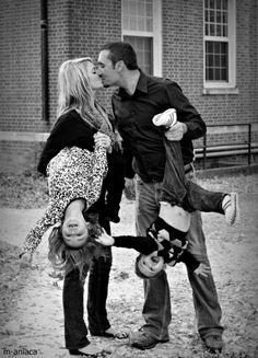 LOVE this family photo! http://media-cache7.pinterest.com/upload/67272588153626550_yXE1rVr1_f.jpg arp84 photos