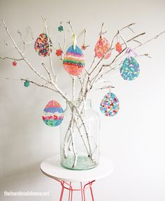 how to make an easter egg tree {diy sun catchers} - the handmade homethe handmade home Easter Craft Activities, Easter Crafts For Kids, Easter Ideas, Easter Tree Decorations, Decoration Table, Easter Wreaths, Diy Recycling, Egg Tree, Diy Ostern
