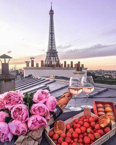 いいね!9,390件、コメント75件 ― Parisさん(@topparisphoto)のInstagramアカウント: 「Follow @topparisresto !! @topparisresto TOP Paris  par  @katie.one • #topparisphoto Allez sur…」