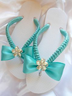 Tiffany Blue wedding shoes, Tiffany blue flip flops, decorated flip flops, maid of honor gift, rhinestone flip flops - bridal shoes. Flip Flops Diy, Flip Flop Craft, Wedding Flip Flops, Bridal Sandals, Bridal Shoes, Beach Wedding Sandals, Decorating Flip Flops, Flipflops, Accessories