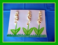 Cute Popcorn Flower Spring Craft, great for spring theme or plant theme in kindergarten. Guess some of my kids will try to eat the popcorn flowers :) Spring Songs For Kids, Spring Crafts For Kids, Summer Crafts, Art For Kids, Kids Songs, Kids Crafts, Daycare Crafts, Spring Theme, Spring Art
