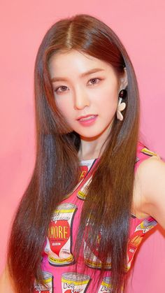 Red Velvet Joy, Red Velvet Irene, Seulgi, Beautiful Girl Image, Beautiful Women, Purple Wedding Bouquets, Ulzzang Girl, Girl Photography, Face Shapes