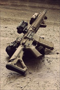 Drop the 68 and the PEQ-15, add an EOTech and throw some Hogues on there for shits and giggles and we have something I'd be proud of.