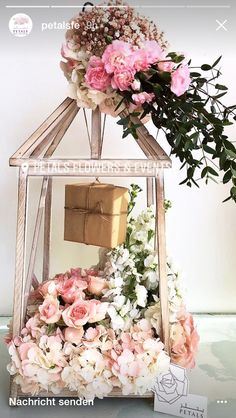Creative Wedding Gifts, Diy Flowers, Hamper, Gift Baskets, Floral Wreath, Packing, Gift Wrapping, Wreaths, Architecture