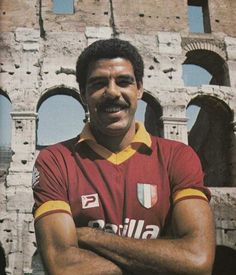 TONINHO CEREZO As Roma, Football Soccer, Football Players, Rome, Vintage Football, Vintage Photos, All Star, Mens Tops, Street Styles