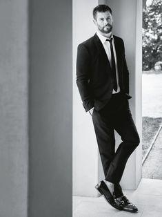 ☆ Captain Swan ☆ — Chris Hemsworth photoshoot para GQ Australia -...