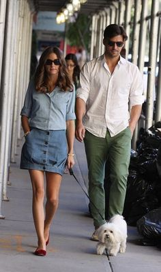 Olivia Palermo Out And About In New York Olivia Palermo & Johannes Huebl Olivia Palermo at New York Fashion Week Couple Outfits, Casual Outfits, Fashion Outfits, Printemps Street Style, Olivia Palermo Lookbook, Look Man, Stylish Couple, Herren Outfit, Best Mens Fashion