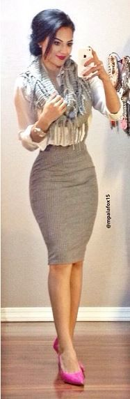 #mpalafox15 #pencilskirt #scarf #officeatire #officeoutfit #pinkheels #falloutfit #workoutfit