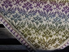 I'm in love with this free Thistle pattern (chart included) and how about the yarn choice!