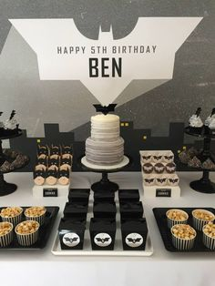 Create enough prettiness to please the girls, while keeping things dark enough to excite the dads with this Modern Batman Birthday Party!