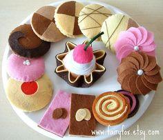 felt cookies for a little tea party! (This board has SO MANY FELT TREATS!)