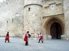gr - Palace of the Grand Master Rare Orchids, Knight In Shining Armor, Greece Islands, Seven Wonders, Chateaus, Medieval Town, Knights Templar, The Grandmaster, Archaeological Site