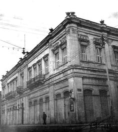 City Hall Greece Pictures, Patras, Vintage Pictures, Art And Architecture, Old Photos, Old School, Travelling, The Past, Louvre