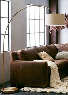 antique brass floor lamp  http://rstyle.me/n/pcftepdpe
