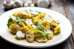 OEUFS BROUILLES AUX CHAMPIGNONS Pasta Salad, Ethnic Recipes, Food, Lunch Recipes, Easy Recipes, Dish, Crab Pasta Salad, Eten