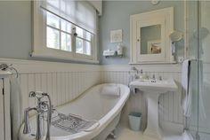 1920+bathroom   Classic 1920s bathroom