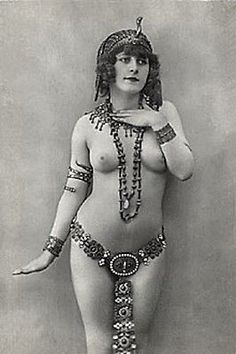 belly dancer nude