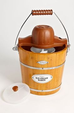 Free shipping and returns on Nostalgia Electrics 'Vintage Collection' Old Fashioned Ice Cream Maker at Nordstrom.com. Concoct your favorite ice cream, frozen yogurt, gelato or sorbet with a 4-quart electric ice-cream maker that automatically churns frosty treats for a homemade dessert in just 20 minutes.