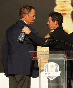 Captain Davis Love III of the United States speaks to Rory McIlroy of Europe during the closing ceremony of the 2016 Ryder Cup at Hazeltine National Golf Club on October 2016 in Chaska, Minnesota. Davis Love Iii, Golf Pga, Rory Mcilroy, Ryder Cup, Golf Tour, Photos 2016, Chaska Minnesota, Golf Clubs, October 2