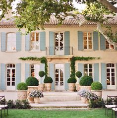 - Country house ideas - The post appeared first on Landhaus ideen. French Country Bedrooms, French Country Style, French Style House, French Country Gardens, French Villa, Italian Villa, French Decor, French Country Decorating, French Cottage