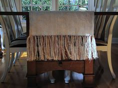 burlap table runner tutorial. so awesome. @Tamara Bish here's a runner version from the same crafty gal.