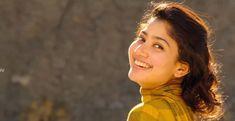 Sai Pallavi..... Indian Actress Photos, Bollywood Actress Hot Photos, Beautiful Indian Actress, Beautiful Actresses, Indian Actresses, Ram Photos, Girl Photos, Sai Pallavi Hd Images, Indian Women Painting