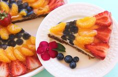 Keep your cool with this light, creamy treat that is full of summertime flavor: fresh strawberries, juicy ripe blueberries, and sun fresh orange. Blueberries, Strawberries, Delicious Desserts, Dessert Recipes, Cooking Tips, Cooking Recipes, Berry Tart, Summer Desserts, Pastries