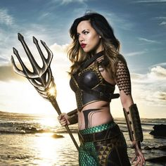 I was blown away when I came across this female Aquaman cosplay. I've never seen this superhero cosplayed as a woman before, and cosplayer Raquel Sparrow ...