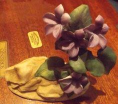 Andrea-by-Sadek-Purple-VIOLET-8040-Porcelain-China-Flower-Figurine-1987