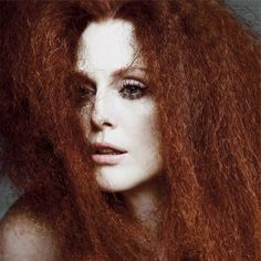The Fairest of Them All – Actress Julianne Moore gets dramatic for spring cover shoot of T Magazine. The redhead beauty poses for Inez van Lamsweerde and… Julianne Moore, Vogue China, Rihanna, Beyonce, Portrait Photography, Fashion Photography, Photo Star, Magazin Design, Joanna Lumley
