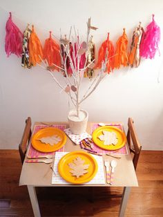 A Lovely Lark: A Thanksgiving Kids' Table (Plus Free Printables!)