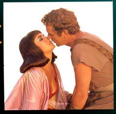 CLEOPATRA (1963) - Cleopatra (Elizabeth Taylor) seduces Mark Antony (Richard Burton) - Produced & Directed by Joseph L. Mankiewicz - 20th Century-Fox - Publicity Still.Elizabeth Taylor Pin Up | As Cleopatra and Mark Anthony