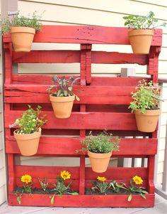 Here's a vertical garden idea that's perfect for balconies and terraces. #herb_garden  #vertical_garden  #terrasavvy
