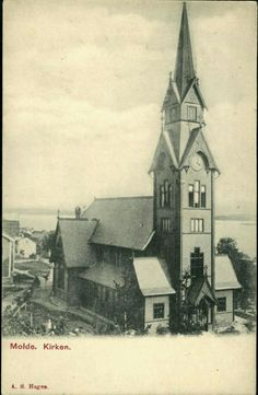 Møre og Romsdal fylke Molde Kirken. Nærbilde høyformat Utg A.S.Hagen tidlig 1900-tallet